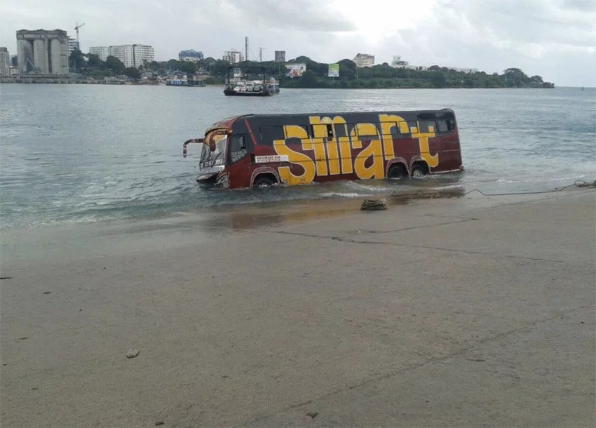 Chaos after bus falls into the Indian Ocean