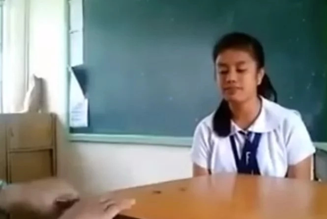 Viral video features talented Pinay singing through hand beats
