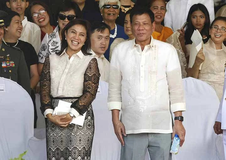 Pres. Duterte meets vice president Robredo for the first time