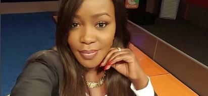 Kwa kuwa mama ni sharti avutie! Aliyekuwa mtangazaji wa Citizen TV ajishaua kwa viatu vinavyogharimu Ksh75,000 (picha)