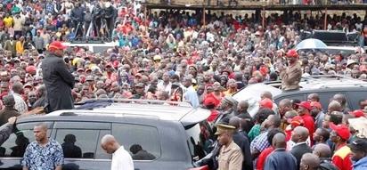 Msipotoshwe kususia uchaguzi wa Oktoba 26 - Uhuruto waisihi jamii ya Waluhya
