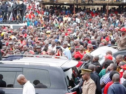 Raila should leave Kenyans alone since he is not vying for president - Uhuru