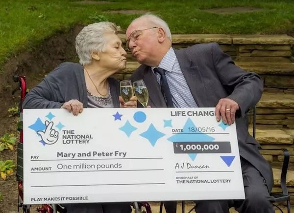 148£ Million Lottery Winner Evicts Disabled Best Friend Over £250 Rent Row