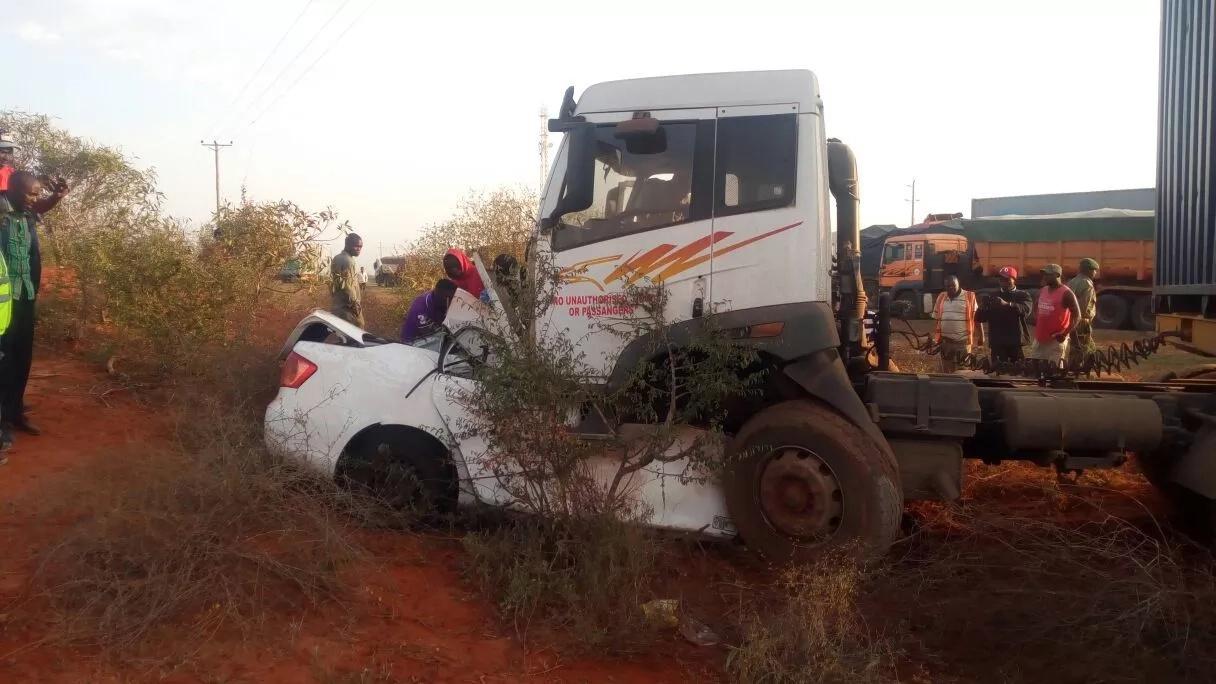 3 people perish in head-on collision involving salon car and truck along Nairobi-Mombasa road