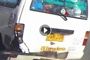 Brutal na aksidente! Watch dangerous FX driver beat red light and crash private card