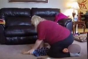Una madre escondió una cámara para ver cómo su niñera trataba a su hijo y resultó ser una pesadilla