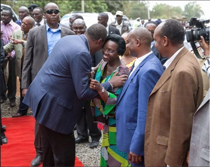 Uhuru severely bashed for talking about Raila while visiting Kirinyaga county