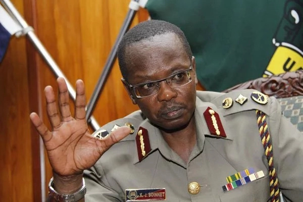Details of how senior police officers leaked highly confidential information from Boinnet's office