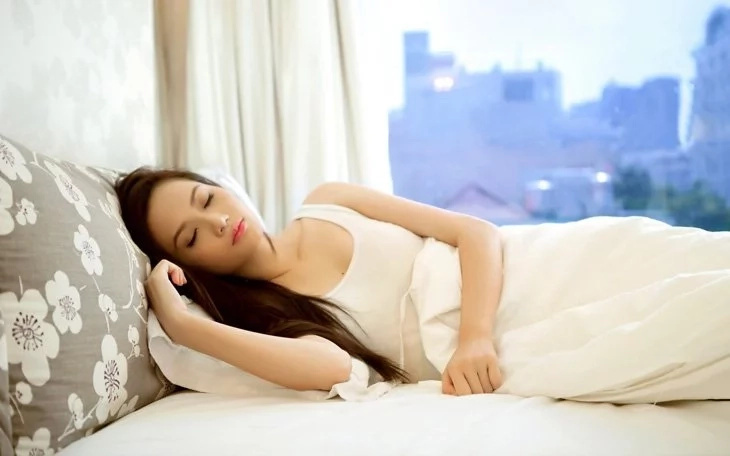 Do you know the benefits of sleeping on your left side? Check them here!