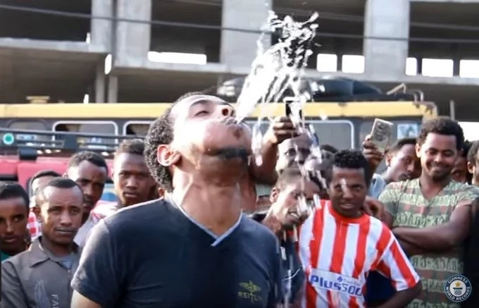Watch this man from Ethiopia break an AMAZING Guinness World Record (photos, video)