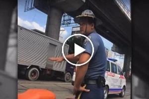 Walang respeto! Cop caught on dash camera slapping motorist on EDSA