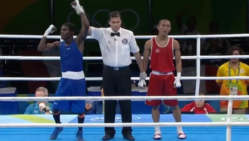 El colombiano Yuberjen Martínez se acerca a una medalla