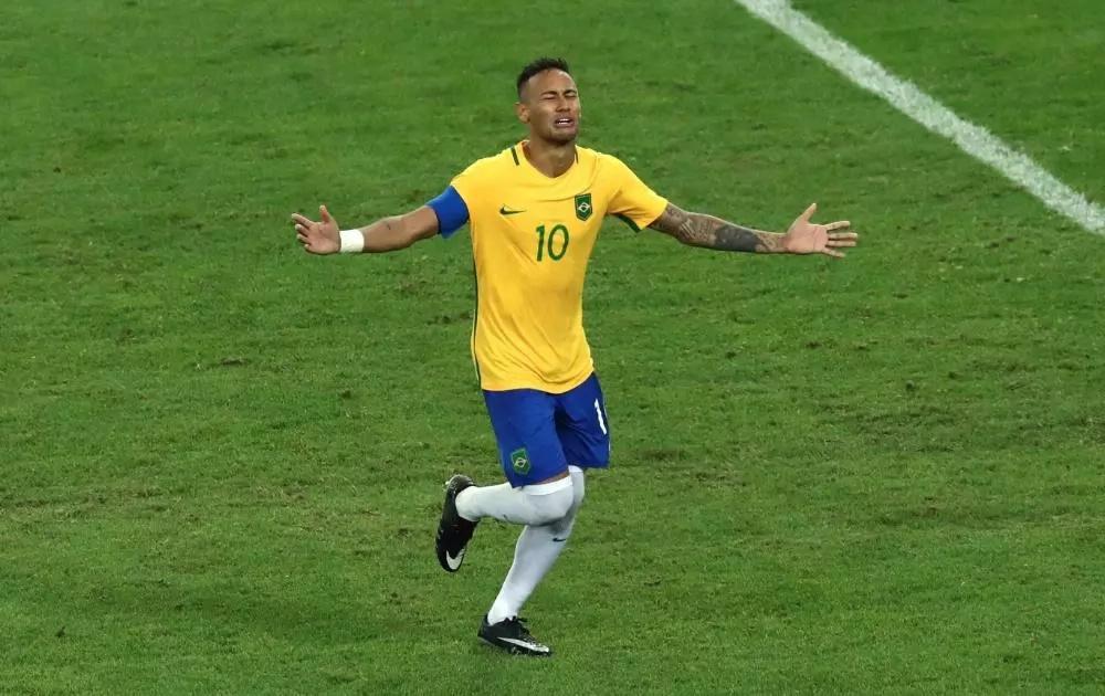 Neymar insultó a un hincha cuando celebraba el oro