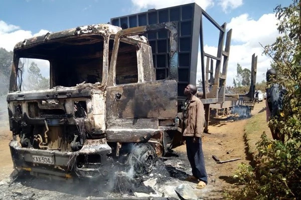 Angry Molo residents burn to ashes a record 14 trucks (photos)