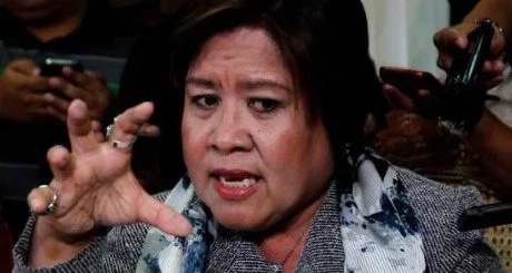 "De Lima compares herself to ""a dead woman walking"""