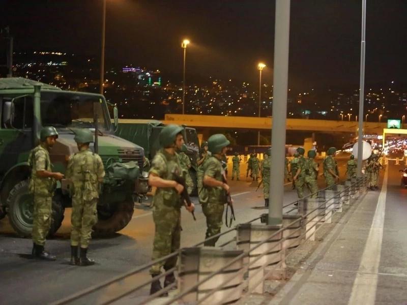 7500 personas detenidas tras fallido golpe de Estado en Turquía
