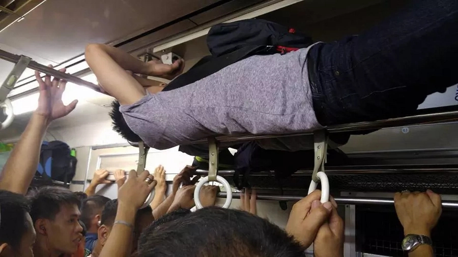 Selfless PNR passenger occupies luggage compartment