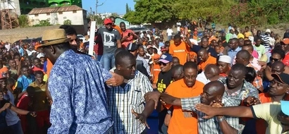 Photos: How Raila's bodyguards saved him from injuries in Malindi fall