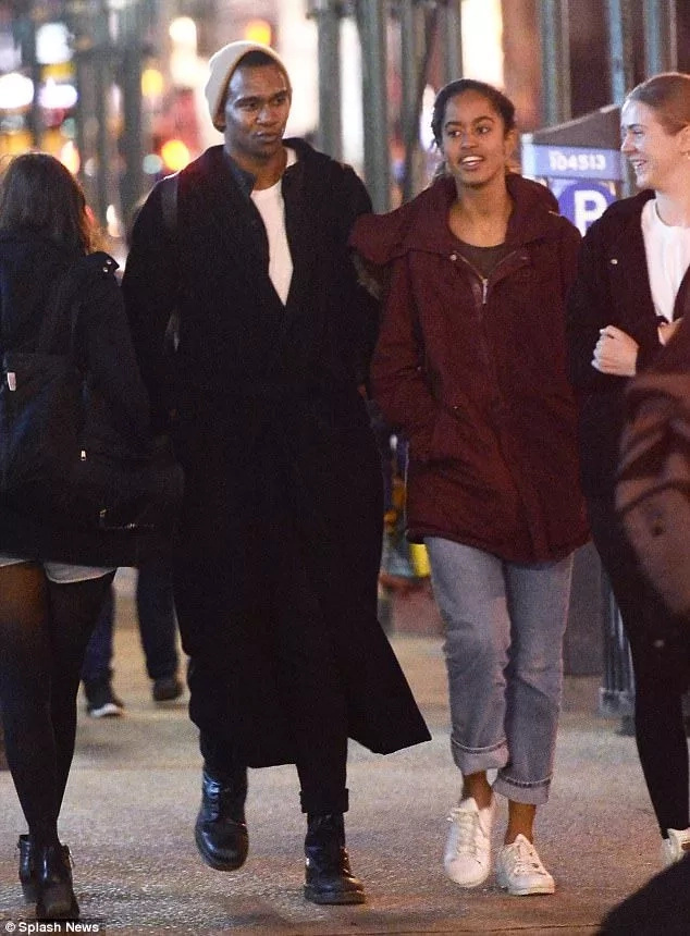 "Who is he?! Malia Obama spotted enjoying night time with handsome MYSTERY ""friend"" (photos)"
