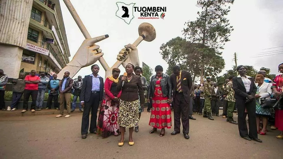 These photos of Rachel Ruto leading a prayer crusade will melt your heart