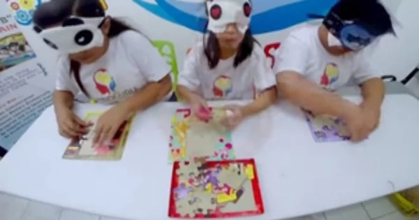 Impressive 10-Year Old Girl With Impeccable Intelligence. Meet Ellysse Who Can Solve Mathematical Equation & Read A Book Upside Down With A Blindfold.
