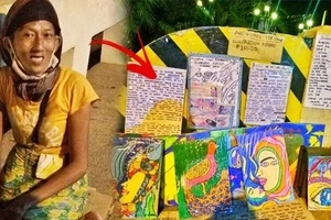 Talent wasted in the streets! This homeless artist draws stunning artwork and sells them for a measly sum to survive!