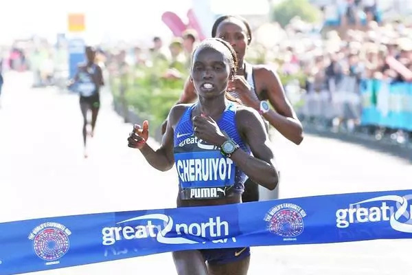 Vivian Cheruiyot beats Priscah Jeptoo to win Great North Run