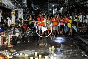 Caught on CCTV: Deadly Pinoy gunmen on motorcycles brutally kill man drinking with friends in Makati