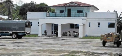 Did De Lima give this house to her driver?