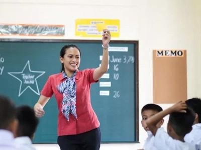 Public school teachers to get P15,000 salary increase
