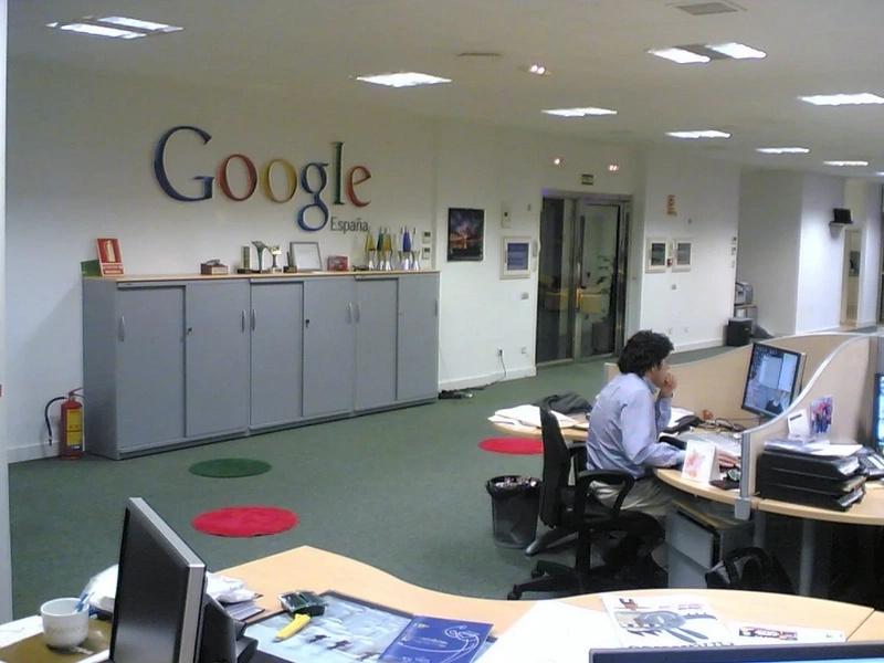 Registran dos sedes de Google por presunta evasión fiscal