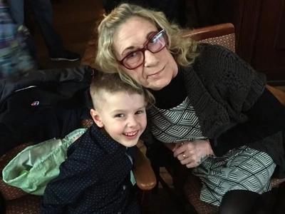 Cómo este niño de 6 años de edad salvó a su abuela gracias a sus rápidos pensamientos