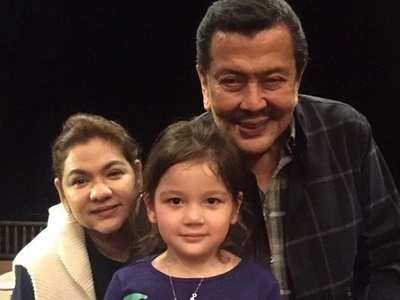 Sa wakas! Ellie Eigenmann meets her grandparents, poses with Lolo Erap in a photo