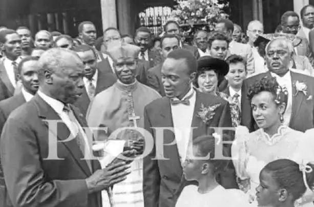 Picha za Uhuru Kenyatta na familia yake tangu siku yao ya harusi