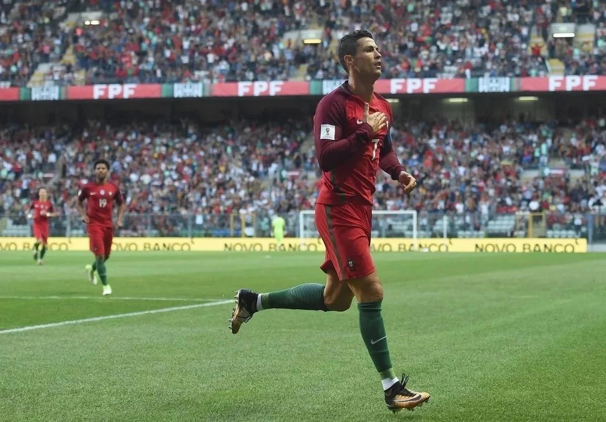 Cristiano Ronaldo na mpenziwe ni wajawazito, na hawafichi! (Picha)