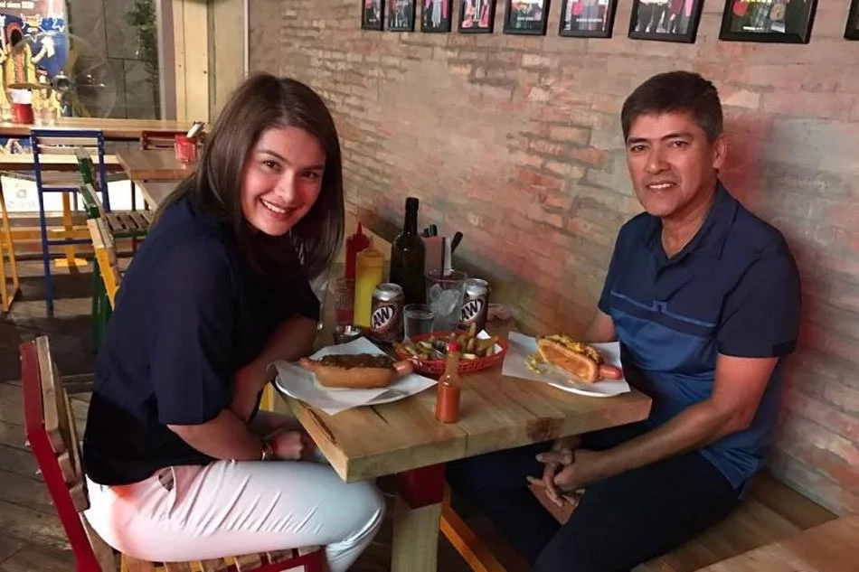 Vic Sotto and Pauline visit Kristine and Oyo in hospital