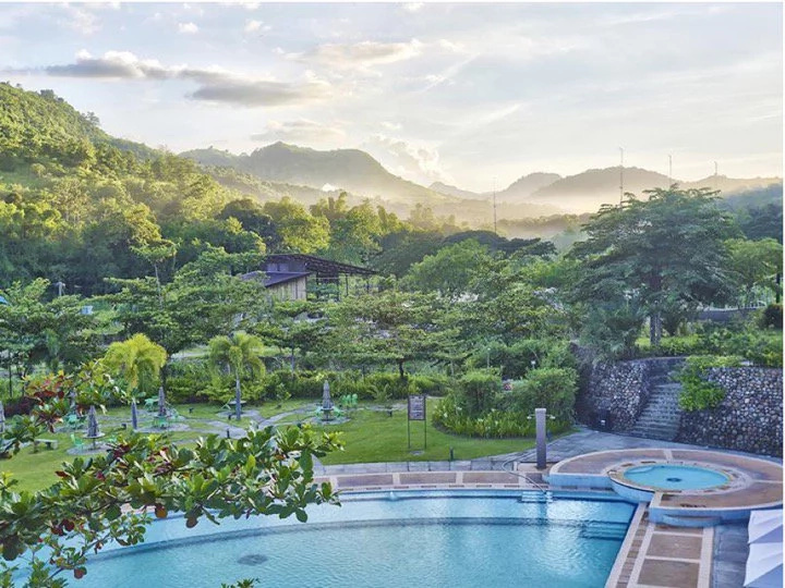 7 places near Manila perfect for an all-girls trip