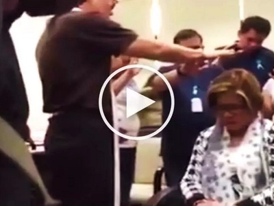 Emotional video of Leila de Lima being prayed over by priest, supporters before her arrest goes viral