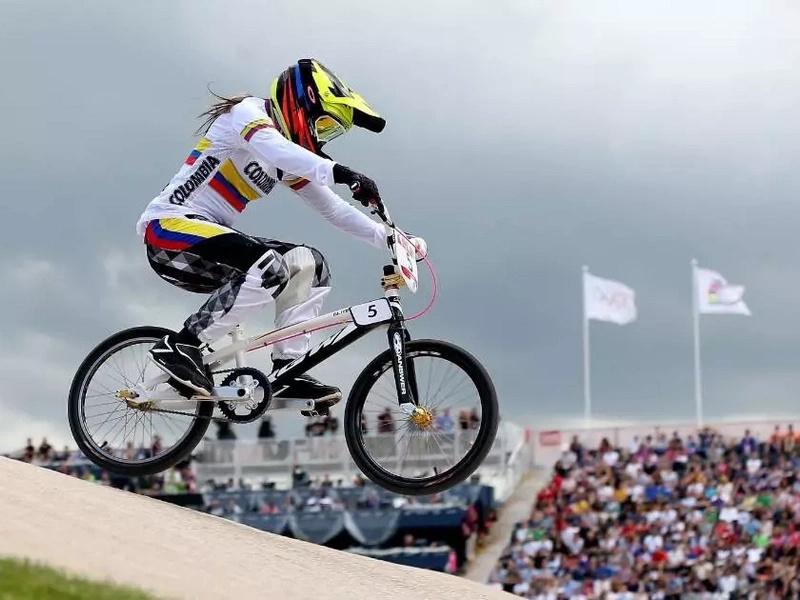 Mariana Pajón voló camino a las semifinales del BMX olímpico