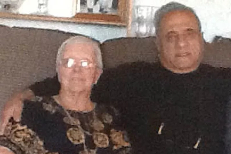 Epic reunion! Woman reunites with brother 60 years later, discovers he is now one of world's richest men