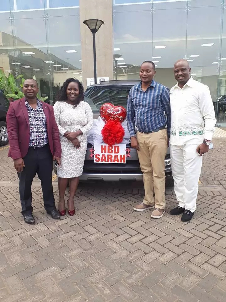 Rich Nairobi man surprises wife with brand new Range Rover for birthday(photos)