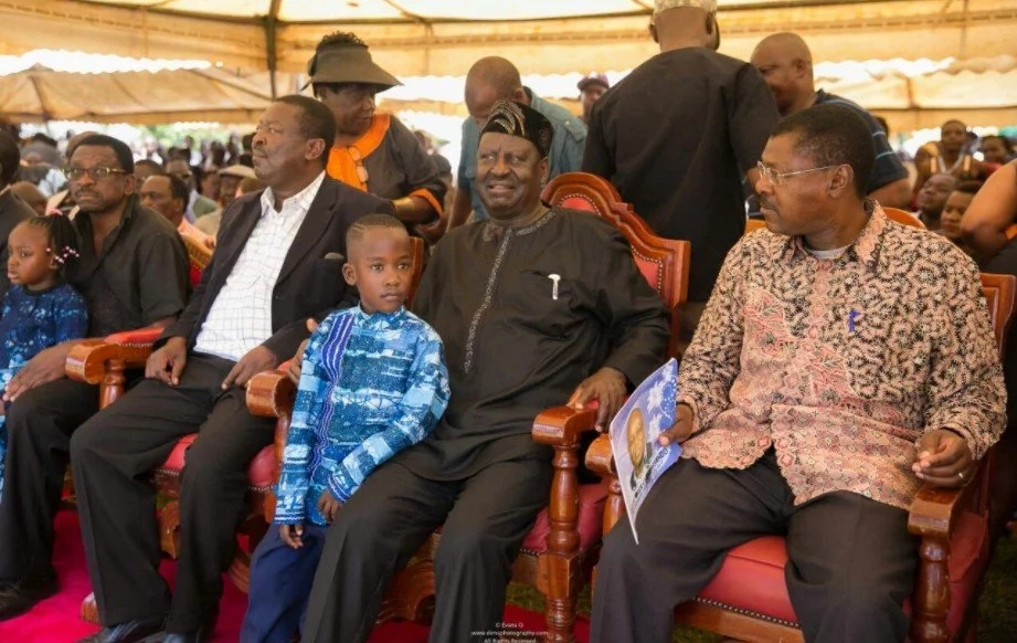 All the powerful images of Raila Odinga and other NASA leaders at Chris Msando's burial in Lifunga village