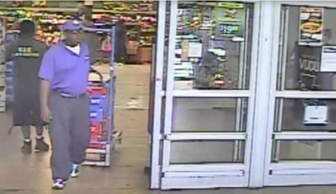 Se viste como repartidor y para robar cerveza en las tiendas