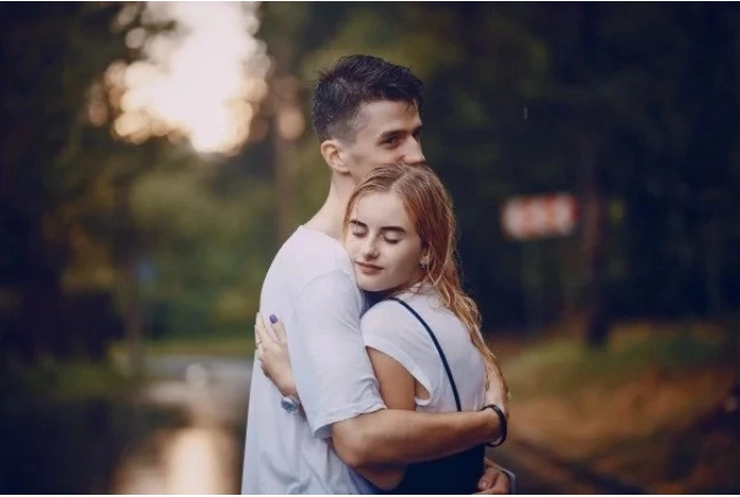 4 signs you love a man who does not deserve you