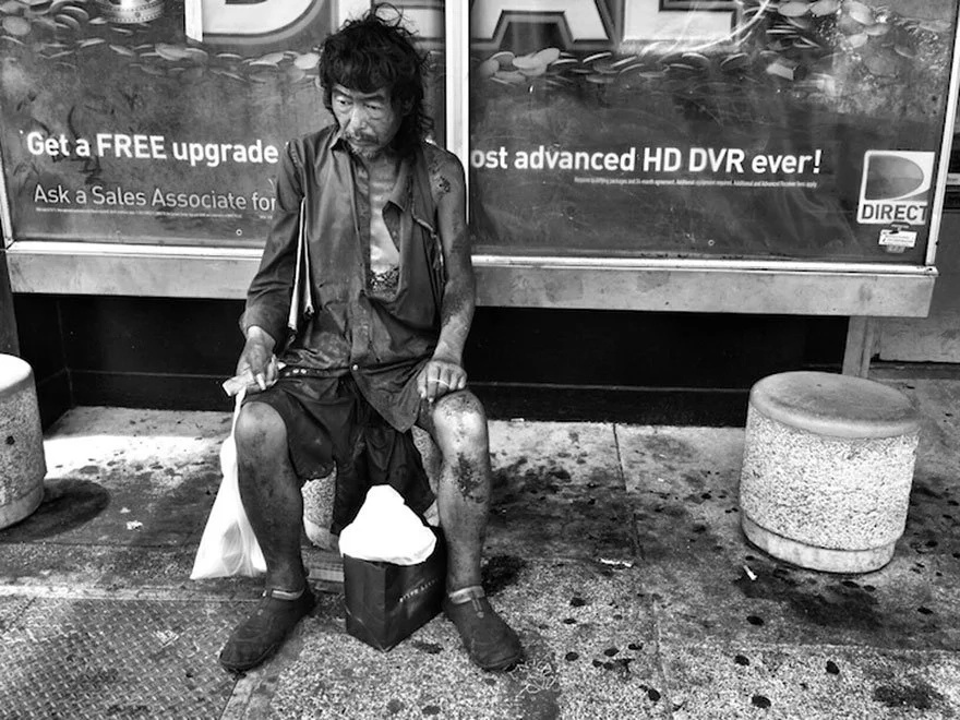 In 2012, Kim was shocked to discover her father amongst the homeless she was was photographing