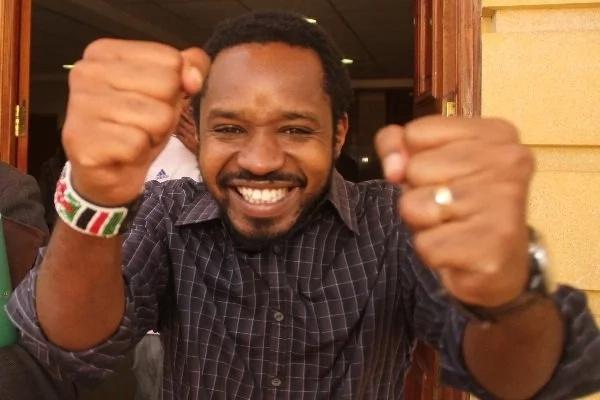 Firebrand activist Boniface Mwangi takes on Jubilee Senator Kipchumba Murkomen and its epic