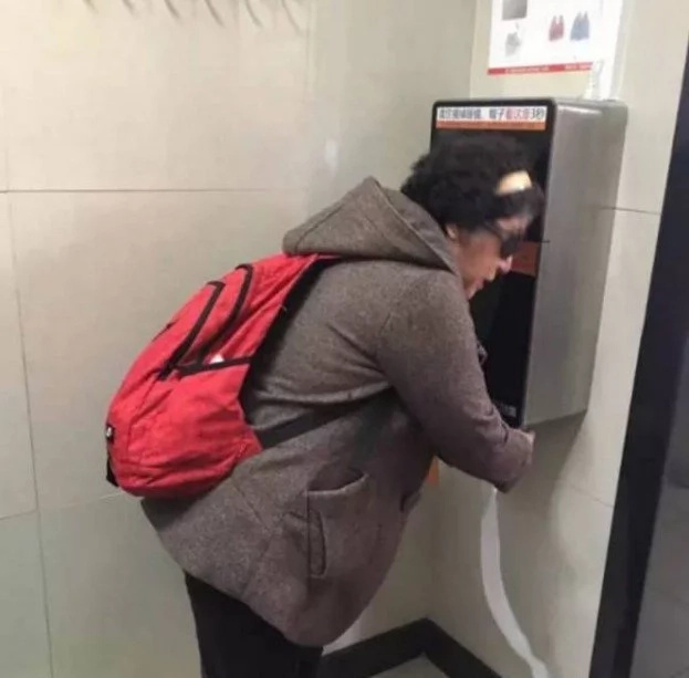 You won't believe what they did to stop people from stealing TOILET PAPER in public toilets (photos)