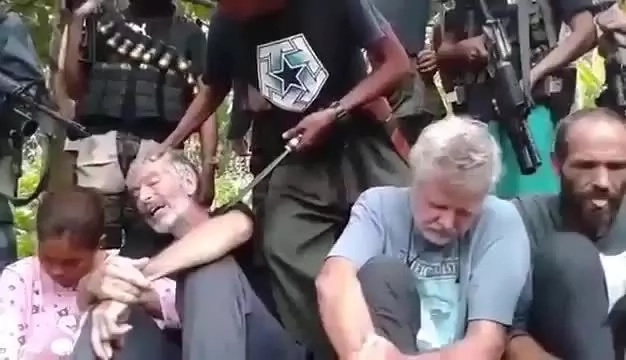 BREAKING: Abu Sayyaf kills Canadian captive as deadline expires