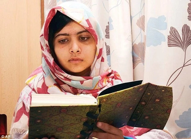 Malala, 20-year-old activist who was shot because of fighting for girl's education goes to Oxford