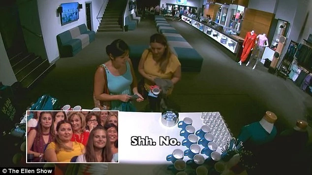 Caught on camera! Shamed on live TV! Ellen DeGeneres called out attention of audience stealing from the merchandise table!